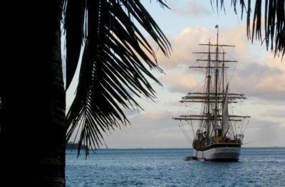 MET School Senior Takes Thesis Around the World at Sea